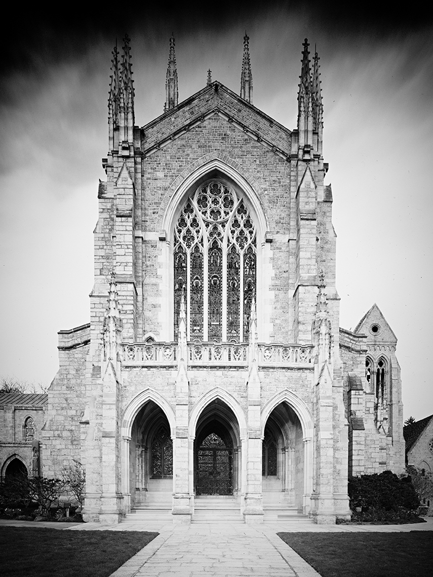 back-facade-of-cathedral-1_BW